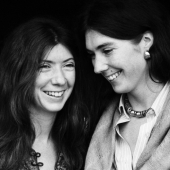 Portrait of Anna and Kate McGarrigle, Schwenksville, Pennsylvania, 1975